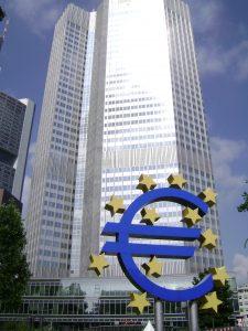 Hors de la zone Euro, mieux vaut être prévoyant.